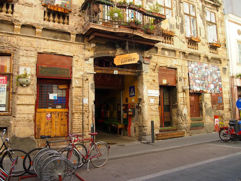 budapest ruin pub4